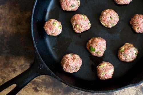 Tex-Mex+meatballs+in+tomato-chipotle+sauce+_DSC0089.jpg