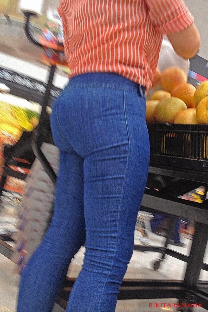 Chica linda en supermercado - 3 part 3
