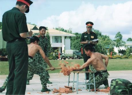 Lữ đoàn Đặc công 198 đón nhận phần thưởng cao quí