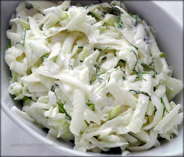 kalarepa, surówka z kalarepy, koperek, majonez, jogurt grecki, oliwa z oliwek, cytryna,