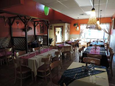 El Burrito Loco dining room
