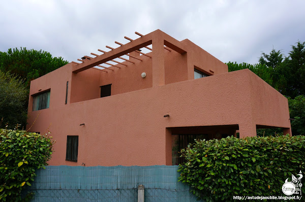 Lège-Cap-Ferret - Cité ouvrière (dix logements) - Quartier marocain  Architectes: Le Corbusier, Pierre Jeanneret  Construction: 1924