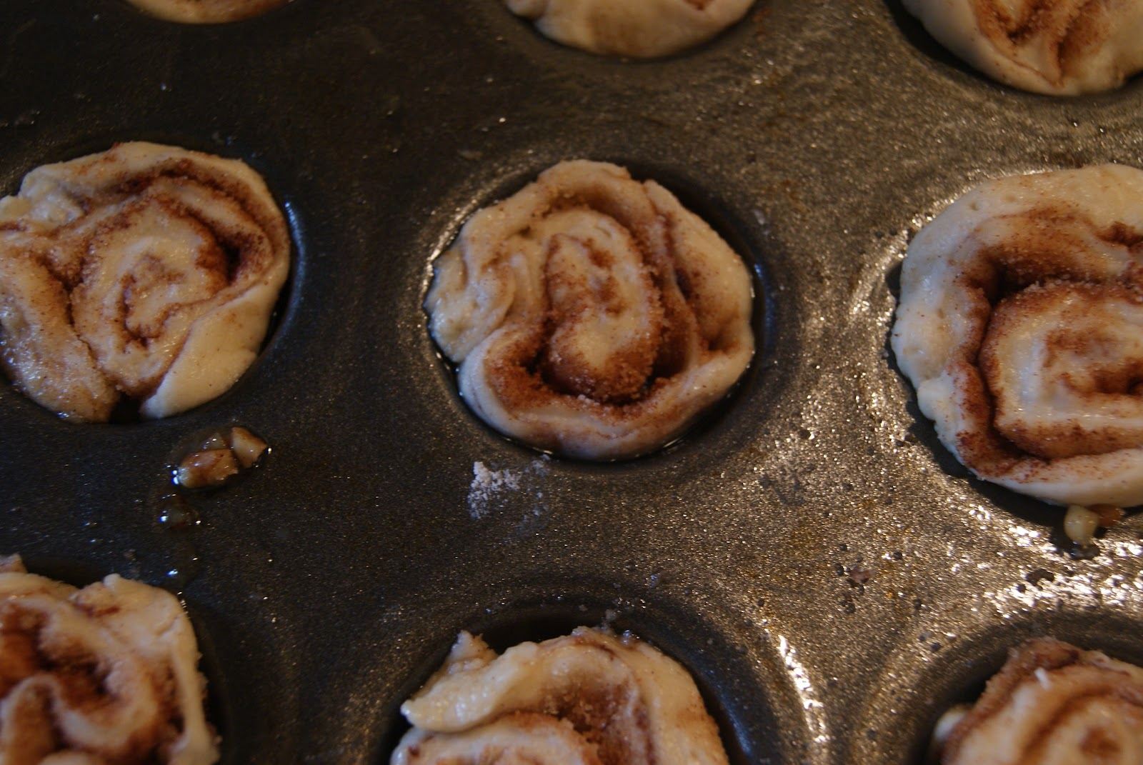 Recipes from a Girl: Sticky Pecan Mini-Buns