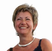 Marcella Nardi, ex Informatico, è appassionata di viaggi, fotografia, storia antica, libri gialli e