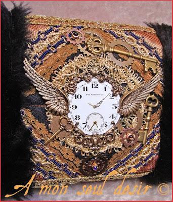 manchon fausse fourrure steampunk cadran de montre gousset ailes steampunk watch dial watchface wings fake fur hand muff