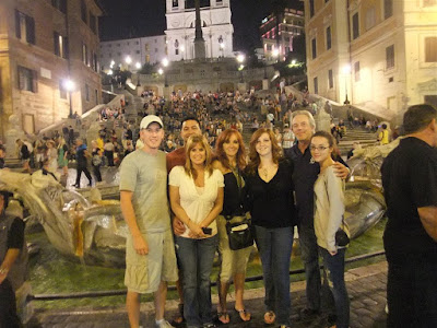 group at the base of the spanish steps, rome italy, walk, fountain