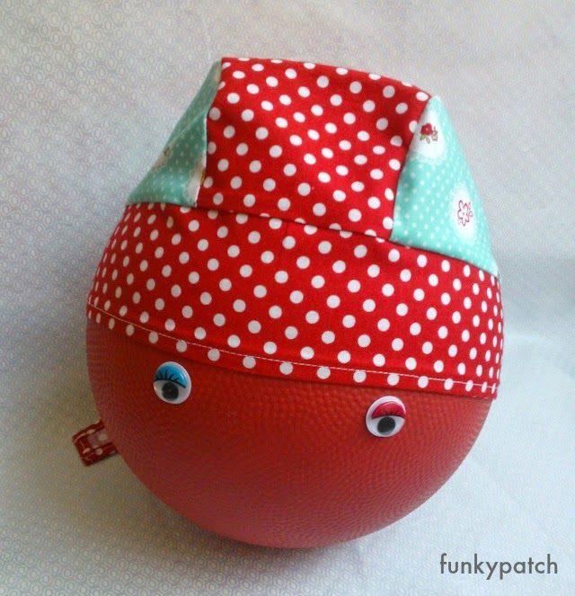 bandana handmade con estampado de caperucita roja funkypatch