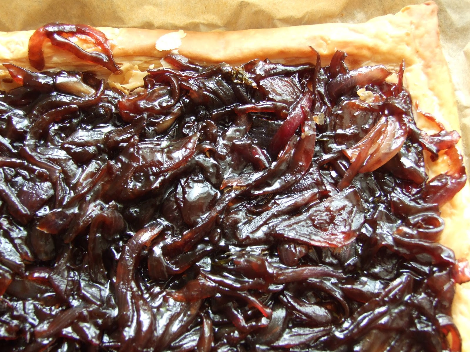 Holly's Pantry: Red Onion Marmalade and Blue Cheese Tart