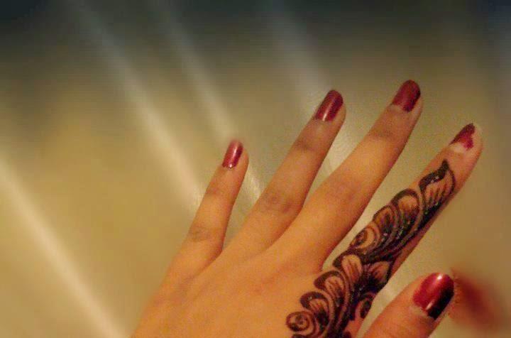 Fingers Mehndi Pics : Finger mehndi design beautiful makedes