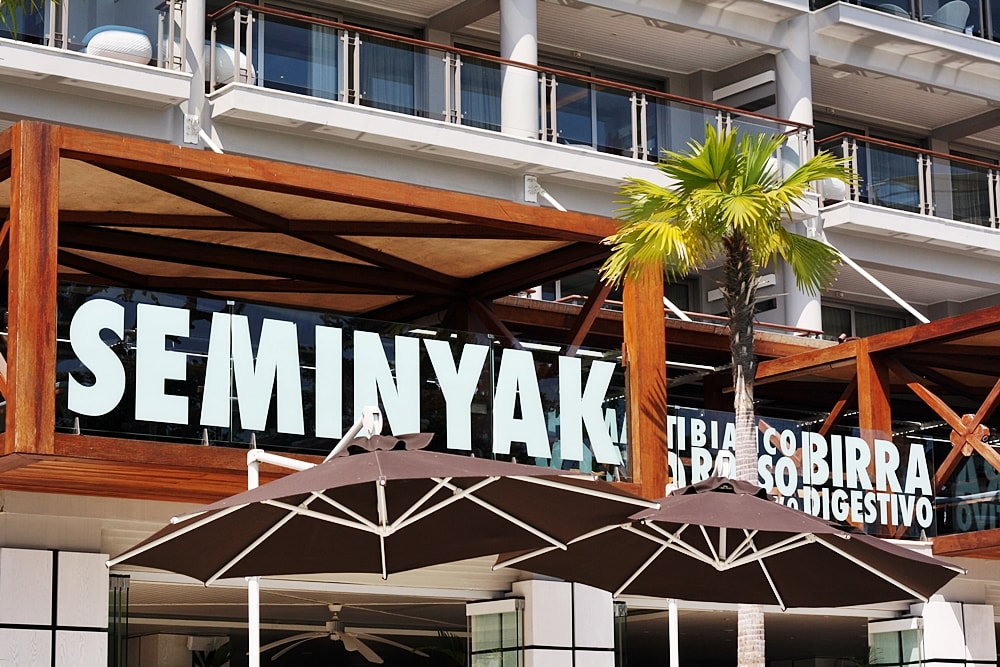 EAT AT SEMINYAK ITALIAN FOOD ON DELUXSHIONIST TRAVEL REVIEW FOR DOUBLE SIX LUXURY HOTEL BALI