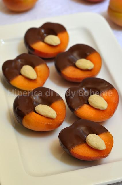 albicocche al cioccolato