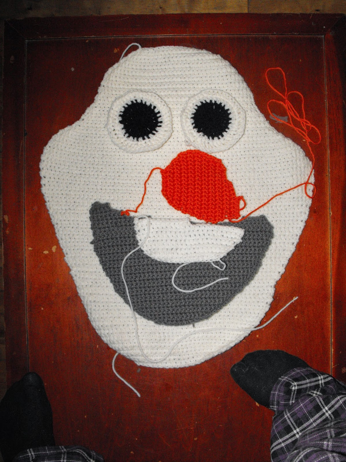 Olaf Knitting Pattern Chart : Cro Knit Inspired Creations By Luvs2knit: Olaf Crochet Pillow & Chart