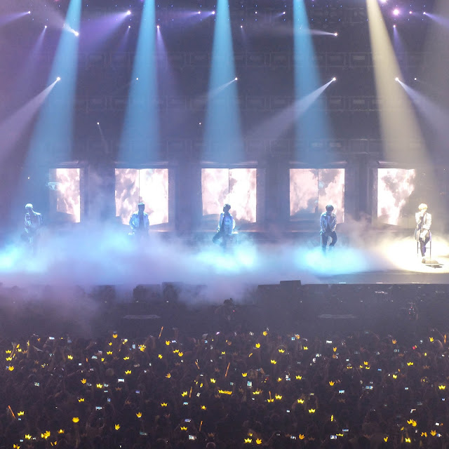Haru Haru stage, BIGBANG MADE in Manila | heyladyspring.com