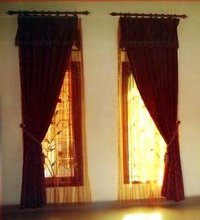 gorden jendela kecil