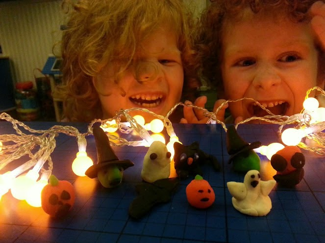 Play-Dough Halloween models and Pumpkin Berry Lights  specialbuysreview