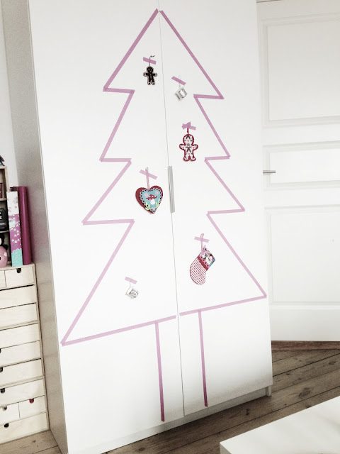 Masking Tape / Washi Tape Christmas Tree