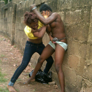 PHOTO: Two UniBen Girls Fighting Naked in public