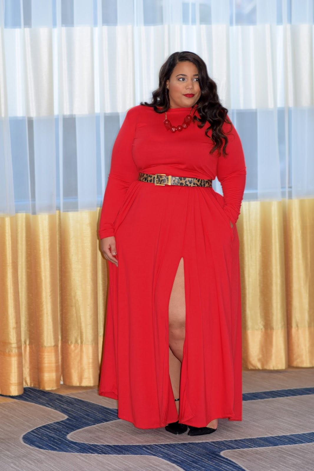 Plus Size Holiday Outfit, plus size red dress