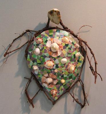 panneau décoratif poisson en branche de vigne et mosaïque sur commande par mimi vermicelle