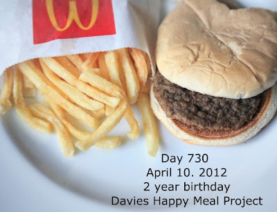 Imagem da fotgrafa Sally Davies comemora 2 anos de lanche do Mc Donald's que no apodrece