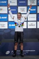 CICLISMO EN RUTA - Linda Villumsen es la mujer más rápida del mundo