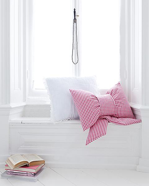 Gingham+Fabric+Bow+Cushion+Pillow+Tutorial Bow Cushion Tutorial | Sewing For My Home