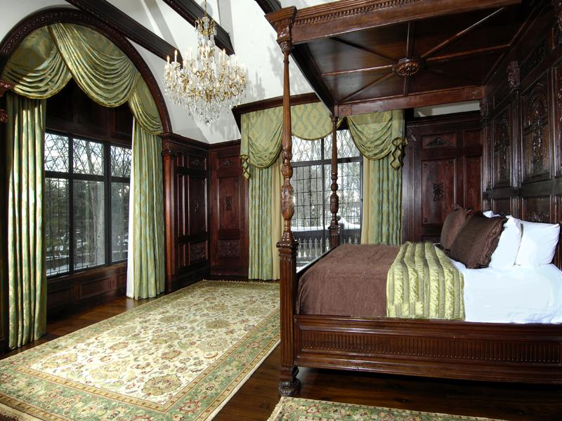 Old world gothic and victorian interior design for Tudor style bedroom