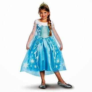 Foto anak perempuan cantik dengan gaya busana elsa frozen