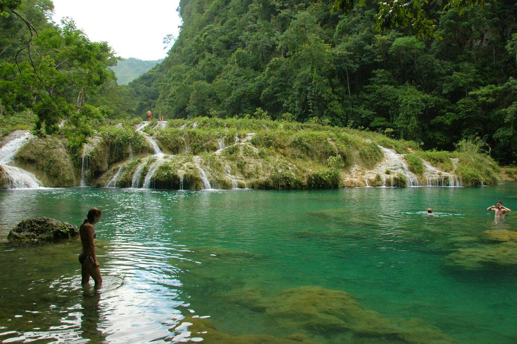 Tu lugar en el mundo guatemala el ca n de las piscinas for Piscinas naturales chile