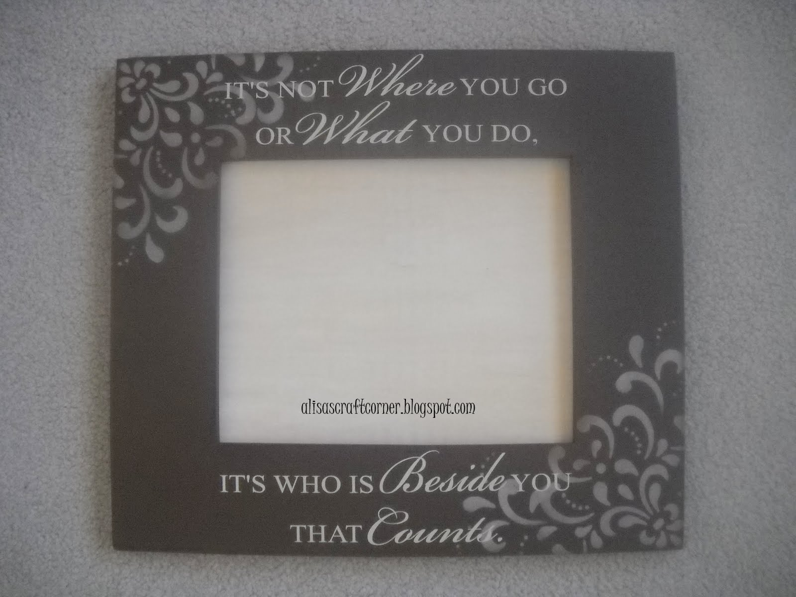 Alisa\'s Craft Corner: Stenciled Frames with Vinyl Sayings
