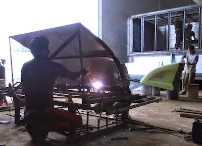 Pembuatan topi kabin / wind deflector