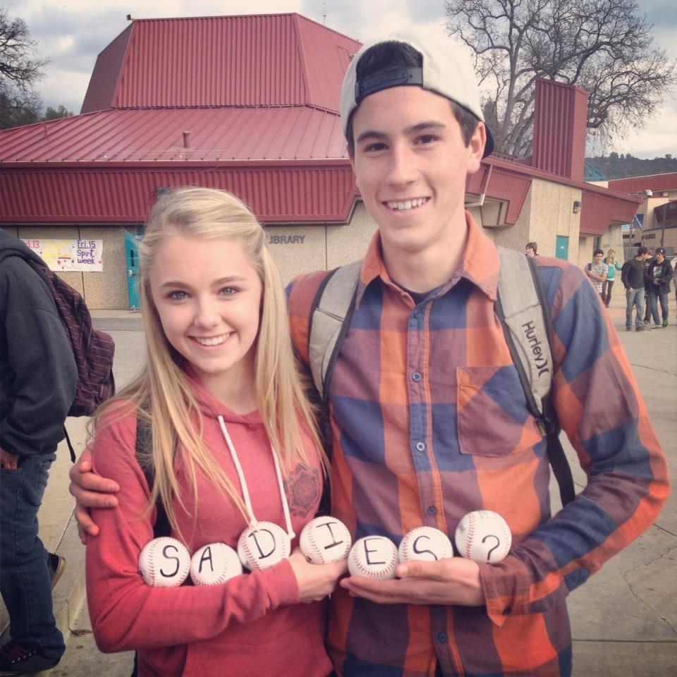 Cute ideas to ask a boy to sadie hawkins -  Sadie Hawkins A Tradition Since 1937
