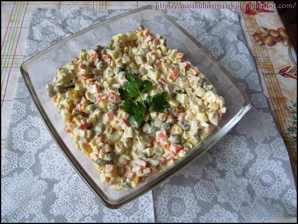 Tradycyjna Salatka Warzywna Tradycyjna sa Atka