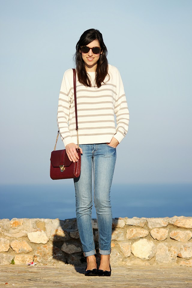 look bolso burdeos burgundy