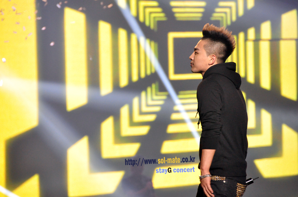 http://2.bp.blogspot.com/-Q6WP_MJvFPI/TvKZ78tKzhI/AAAAAAAAPFE/PyOxWdFfOUw/s1600/Taeyang_006.jpg