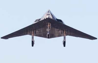 http://2.bp.blogspot.com/-Q6Y_LjdMXYE/T3Nx39qvAtI/AAAAAAAAGcI/suSudvDaFoM/s1600/f117-flying-low.jpg