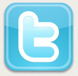 * Estamos en Twitter *