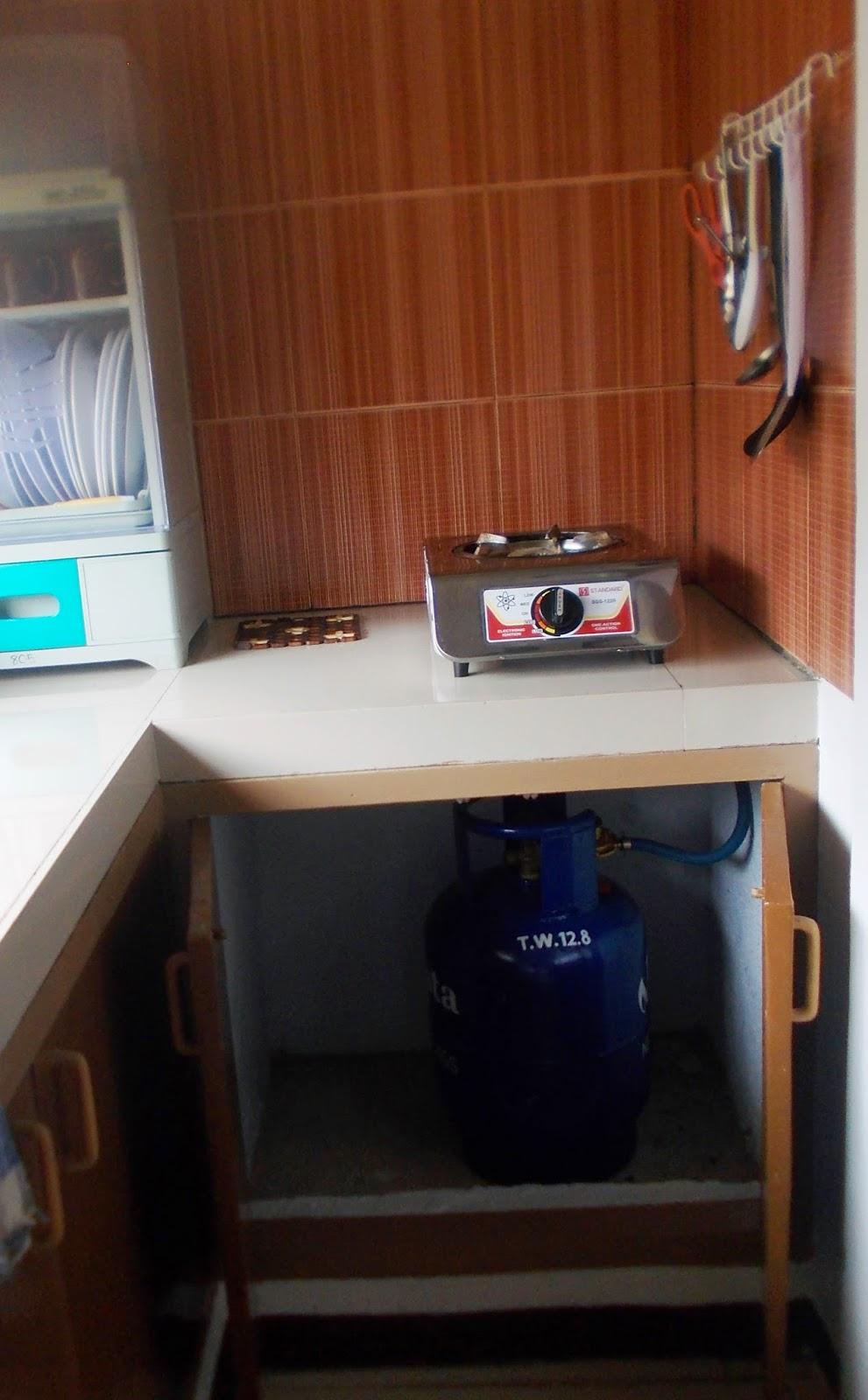 Rei Camp Kitchen
