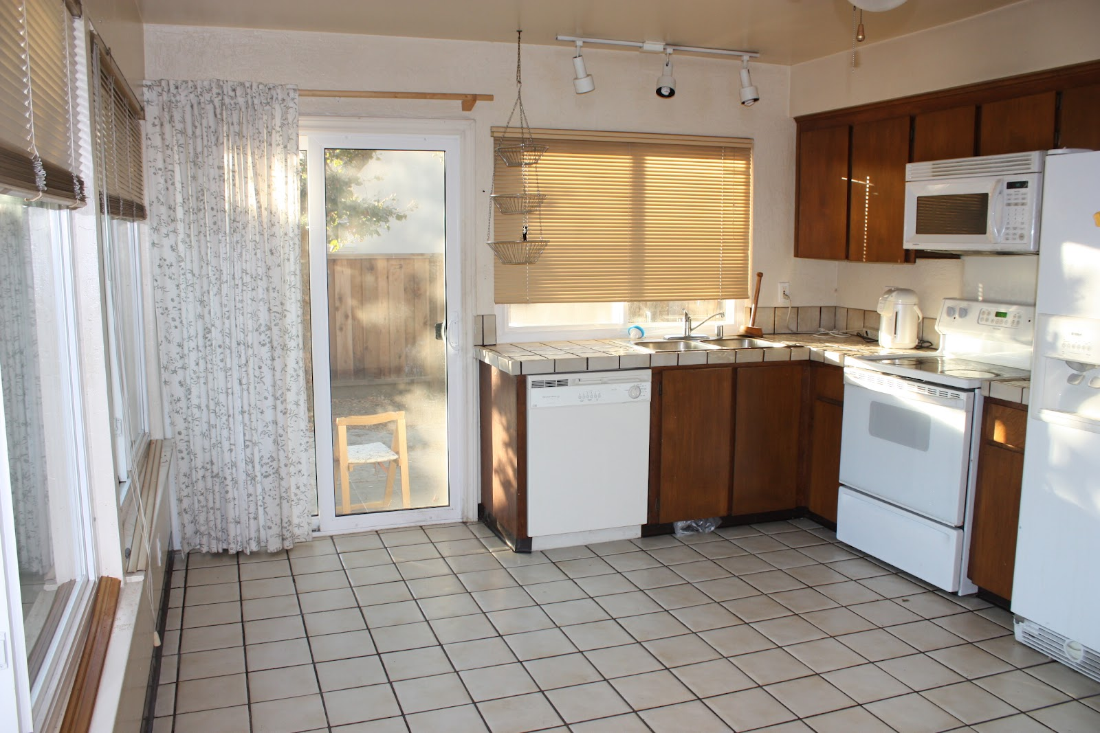 Matching Kitchen Cabinets and Countertops