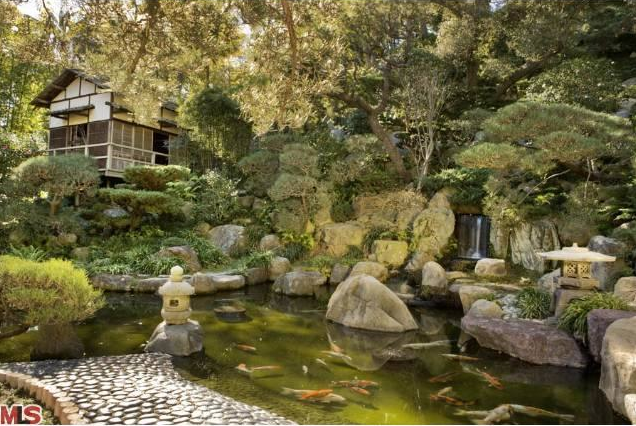 My own private japanese garden retreat