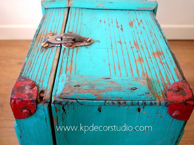 Cajas antiguas de madera para decorar. Madera antigua decapada
