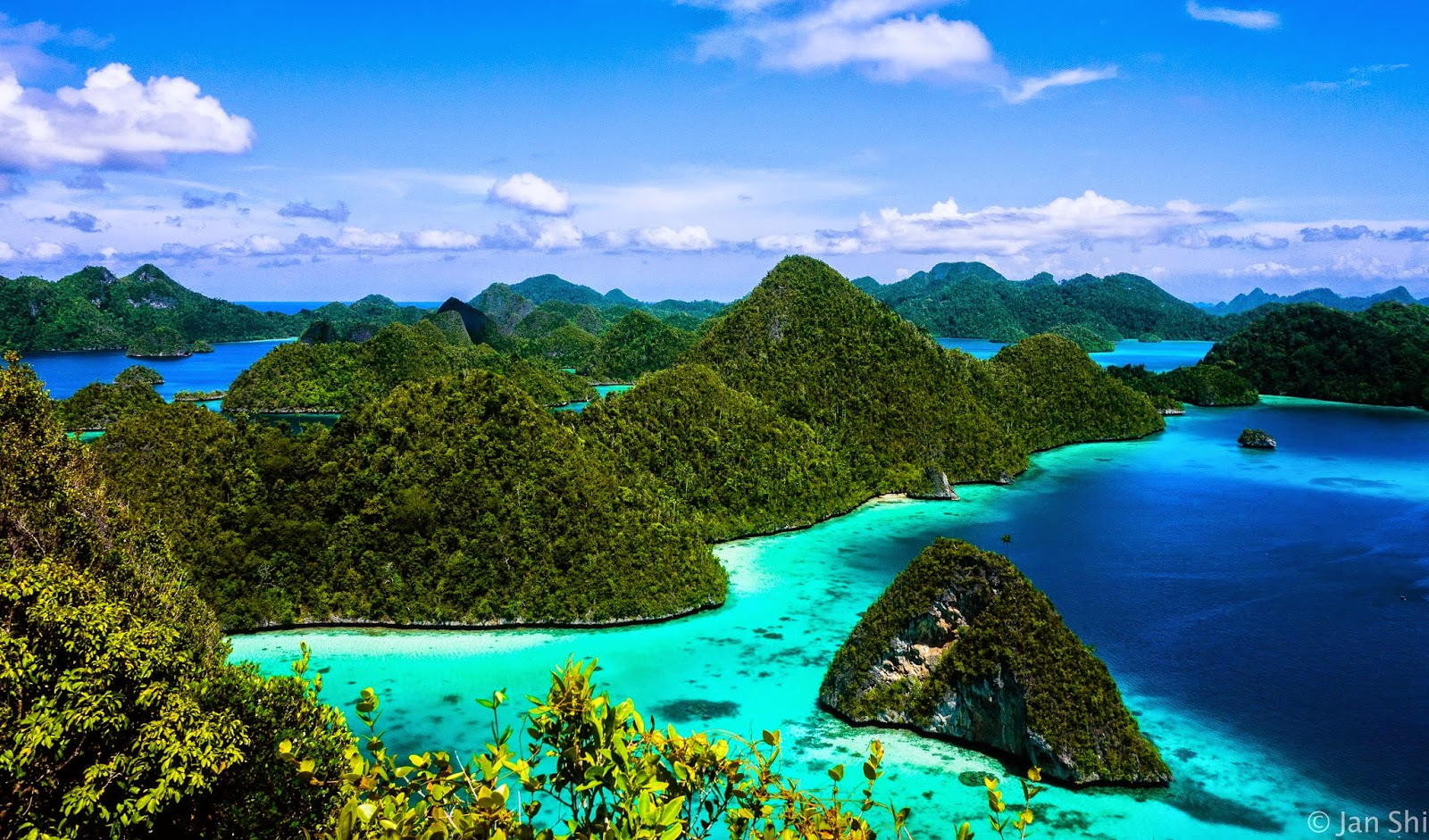 Raja Ampat The Paradise of The sea In Eastern Indonesia
