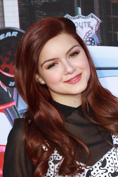ariel senior personals Ariel and levi began dating last december after being set who is ten years her senior ariel winter keeps it casual in ripped denim and white top as she.