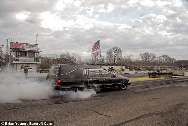 Mobil Jenazah Tercepat, Anda Pasti Tidak Akan Terlambat di Pemakaman