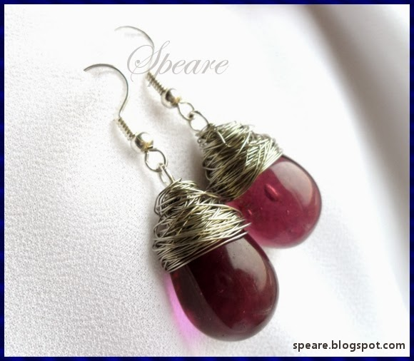 http://speare.blogspot.com/2014/01/kolorowe-kolczyki-gronka-i-owijane.html