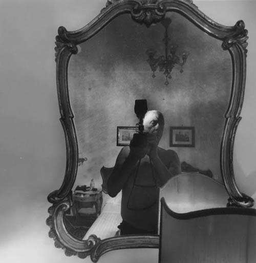 Auto-retratos ao espelho de fotógrafos famosos - Lee Friedlander