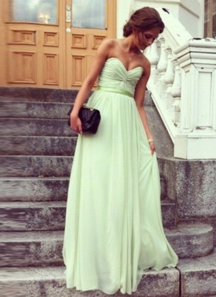 http://www.victoriasdress.co.uk/sheath-column-sweetheart-sleeveless-chiffon-prom-dresses-with-ruffles-fg036-5902.html