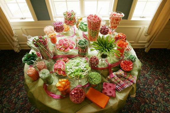 In style party favors reception ideas for Candy bar for weddings receptions