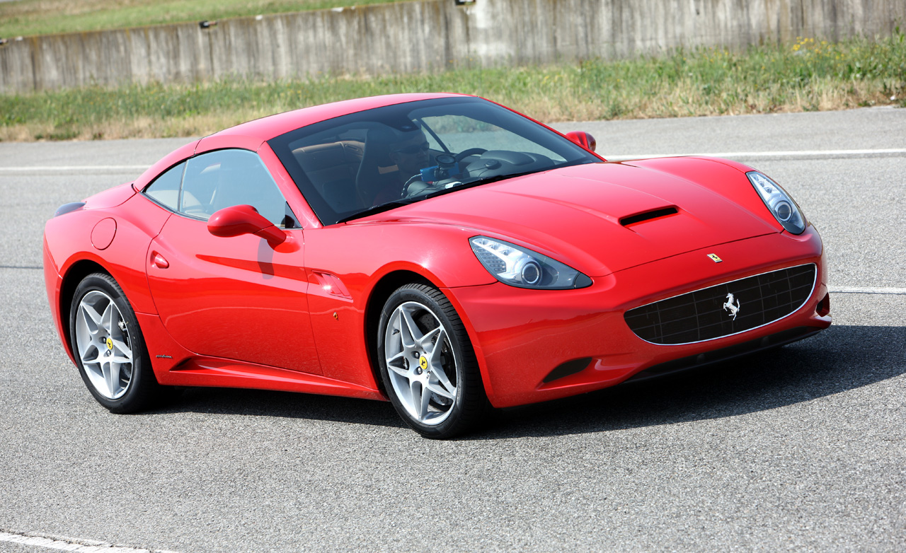 Luxury Autos Ferrari California