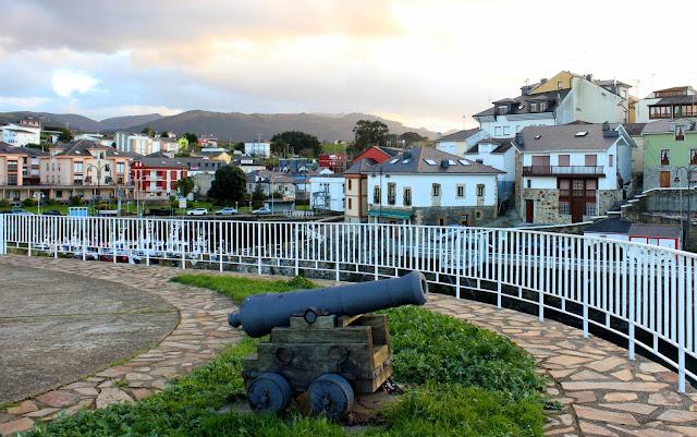 Paseo del Baluaarte en Puerto de Vega-Asturias